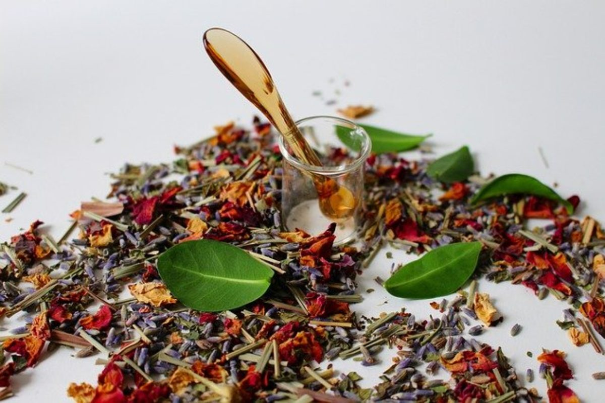 Herbal medicines: 4 problems you should know