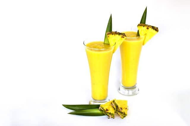 smoothies with pineapple